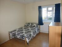 *** HUGE DOUBLE ROOM BANG OPPOSITE QUEEN MARY UNI *** VERY LARGE E1 - MILE END / STEPNEY