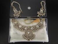 Elegant earrings and necklace set