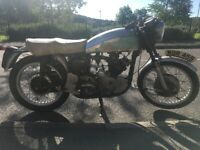 Norton/Triton 1959 Wideline Featherbed with Triumph T110 650 for restoration