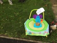 Free baby trampette and ball blowing elephant