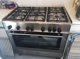 Gas cooker silver