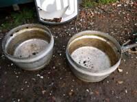Alloy plant pots