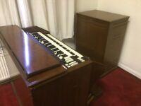 C3 Hammond organ with 122 RV Leslie