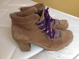 Ladies suede boots size uk 7 - 6.5 eur 40