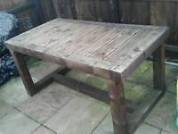 CHUNKY GARDEN TABLE