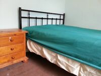 Large Room to let nearby Beds university and Luton town center