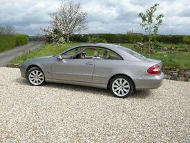"CLK 220D Elegance 2007.Auto.Sun roof, full leather,heated seats. Silver, 18"" alloys. Park tronic."