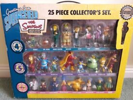 The Simpsons 25 piece collectors set with a golden Mr Burns