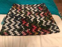 Topshop size 10 floral skirt