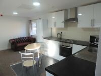 Modern Two Bed Flat On Newport Road £700 Available On 01/07/21 Including Water Bill