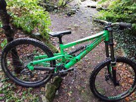 Scott Voltage F10 2014 downhill mountain bike - size S/M REDUCED PRICE