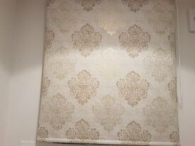 Cream/gold pattern roller blind
