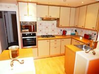 Nice double rooms to rent in near Gants Hill station