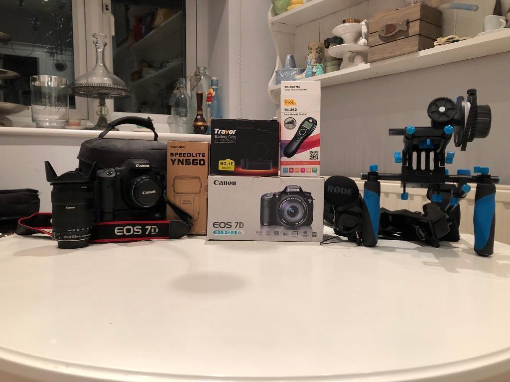 Canon 7D DSLR (MK I) + Accessory Bundle Kit