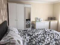 Double room for rent in central Newquay