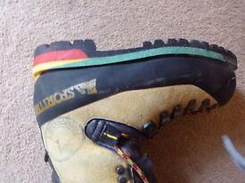 La Sportiva, Ice Climbing Boots, Ladies, Size 38.