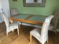 OAK DINING TABLE AND FOUR BRAND NEW CHAIRS