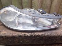 OLD FORD MONDEO FRONT DRIVER SIDE HEADLIGHT