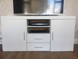 1 year old tv cabinet/sideboard