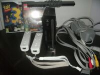Nintendo Wii console, 2 controllers, 2 games. Good working order!