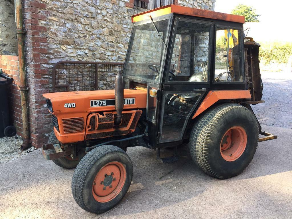 Kubota L275 Compact Tractor! 4 wheel Drive! Power Steering!