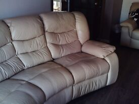 LEATHER 4 SEATER HALF MOON - TWO END CHAIRS ROCK AND RECLINE MANUALLY