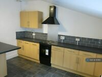 2 bedroom flat in The High Street, Wickwar, Wotton-Under-Edge, GL12 (2 bed) (#1117610)