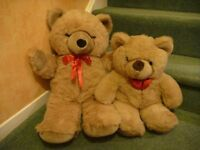 2 Large Soft Cuddly Teddy Bears AS NEW