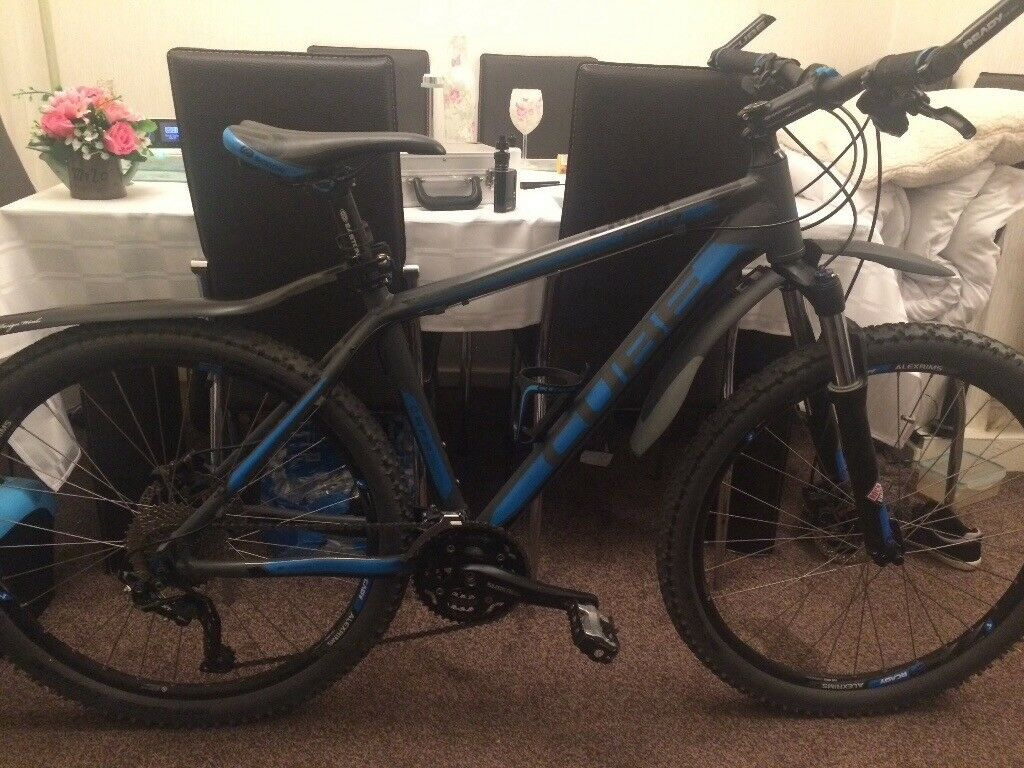 Cube cmpt acid blue/grey mountain bike, plenty extras,