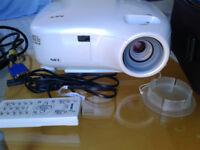 NEC LT380 Projector / Very Bright Image 3000 ANSI lumen / LIKE NEW!