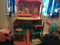 Dolls house & accessories £35