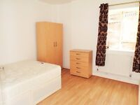 ***ALL BILLS INCLUDED***AVAILABLE NOW*** SPACIOUS DOUBLE BEDROOM IN WHITECHAPEL E1