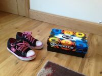 Girls Heelys size 1 (big made)
