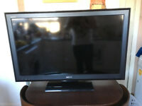 SONY BRAVIA 40 INCH FLAT SCREEN TV 1080P HD WITH FREE WALL MOUNTING BRACKET