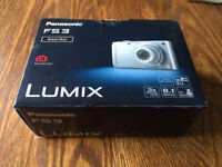 Panasonic Lumix DMC-FS3 Black Digital Camera in Superb Condition