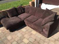 Maroon corner sofa in good condition
