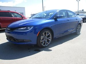 2015 Chrysler 200 S EDITION V6 9 SPEED AUTO / LEATHER / LOADED