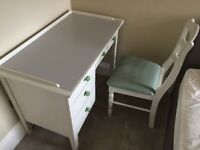Retro writing desk and chair