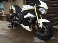 Triumph street triple!! fast,well maintained ,very nice looking
