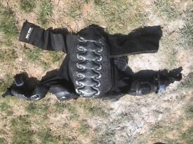 Body armour for motor-crossing childrens
