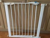 Lindam nursery safety gate