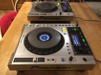 Pioneer CDJ 850 x2. CDJ .