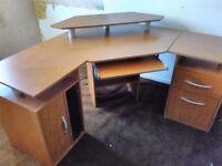 Amazing corner desk