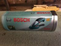 Brand new Bosch hand held hedge trimmers in tin With all cables £15