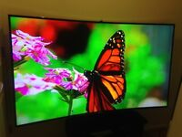 """Samsung 65"""" Curved UHD 4K LED 3D Smart TV with Camera, Dual Freesat HD & Freeview HD"""