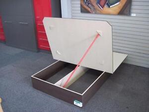 """Plateformes en Plywood 5/8"""" avec espace de rangement, les plus solides de l'industrie"""