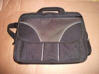 Super Laptop Carry Case