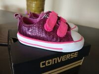 Converse all star shoes size 5 toddler Superb condition