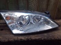 FORD MONDEO DRIVER SIDE FRONT HEADLIGHT