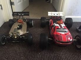 Team Losi Racing 8ight 3.0 buggy & 2.0 Truggy Petrol cars